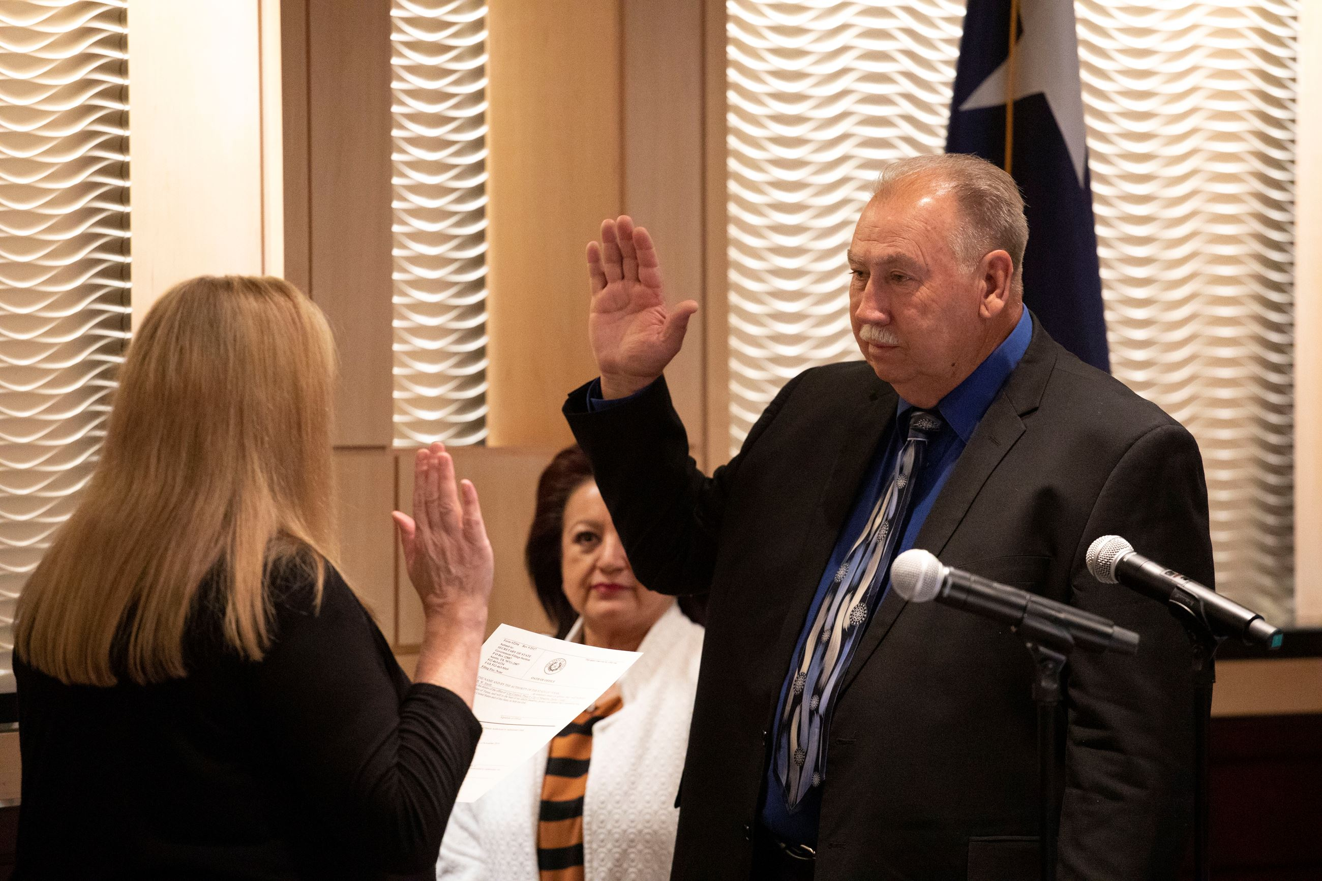 Smith takes Oath of Office