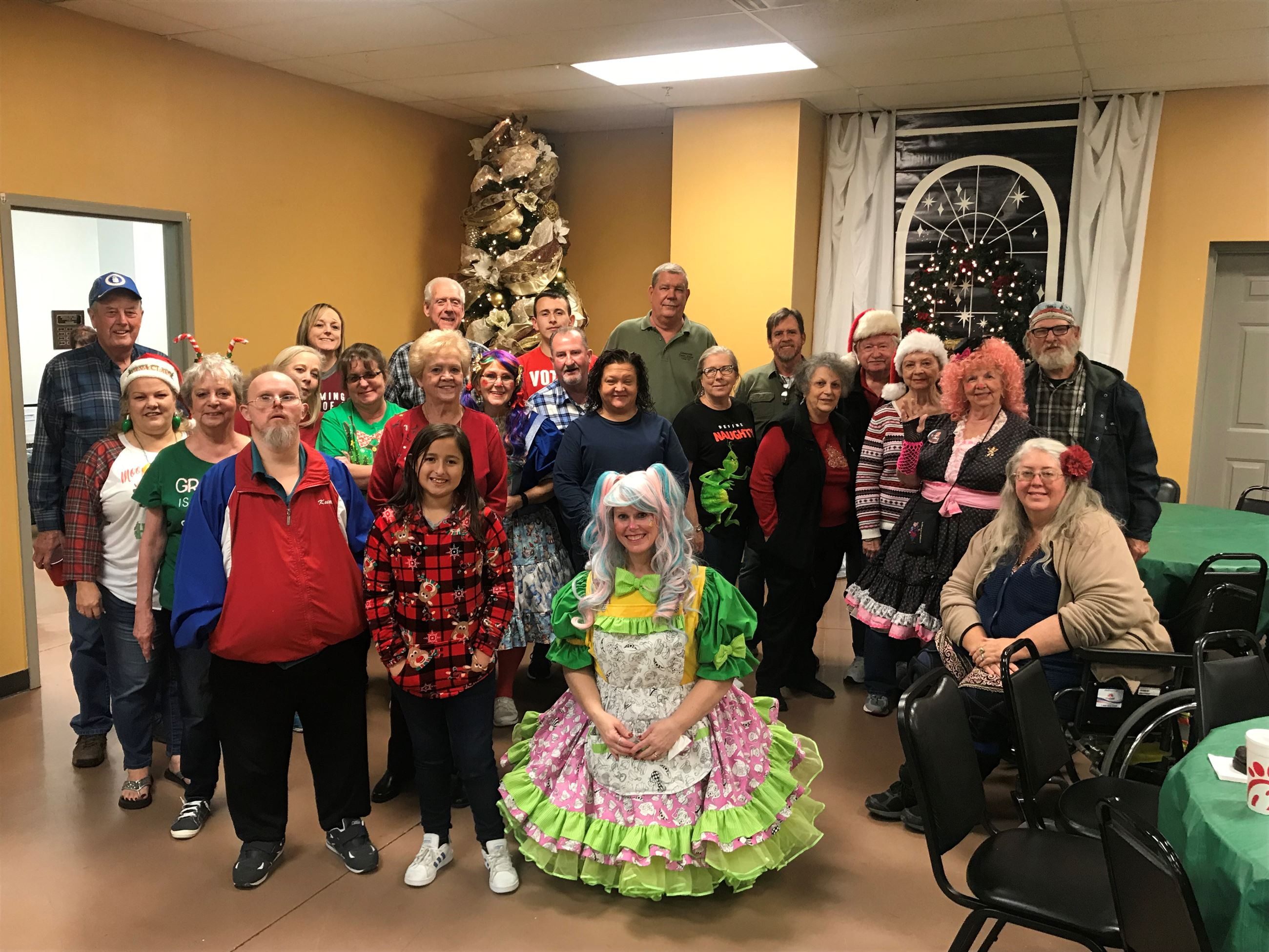 Mesquite Elks Lodge 2404 holiday volunteers
