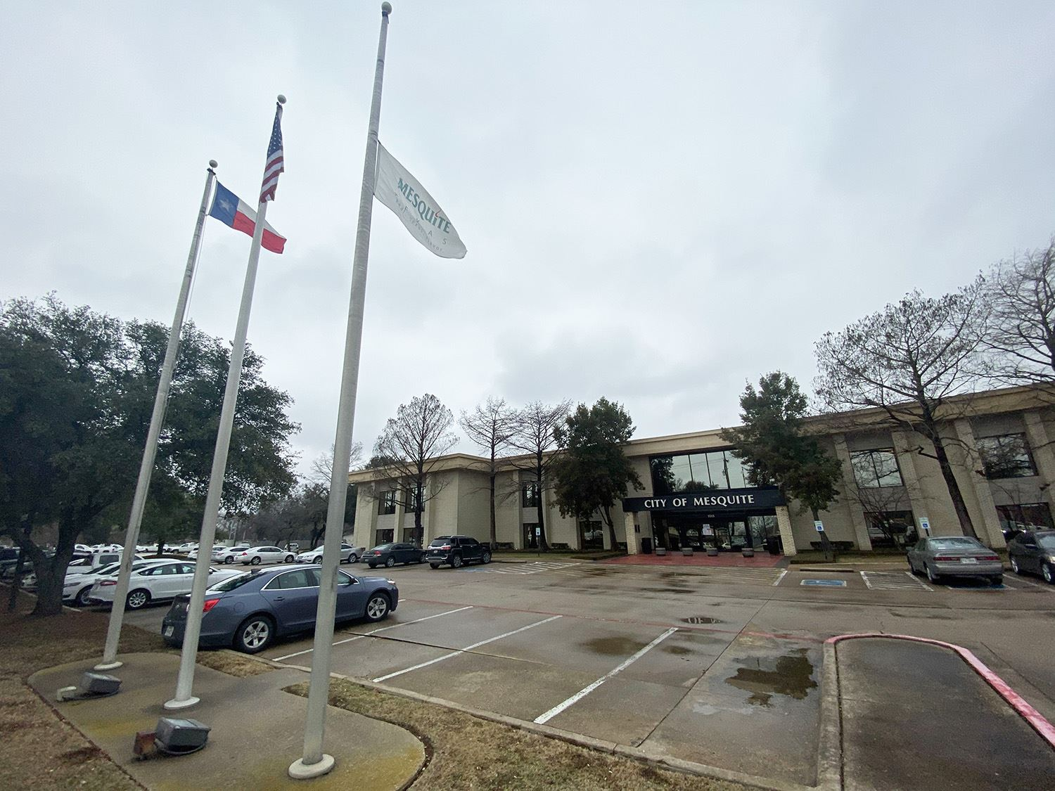 1-22-21 City flag at Municipal Center flown at half-staff for passing of former Mayor Bob Beard - Me